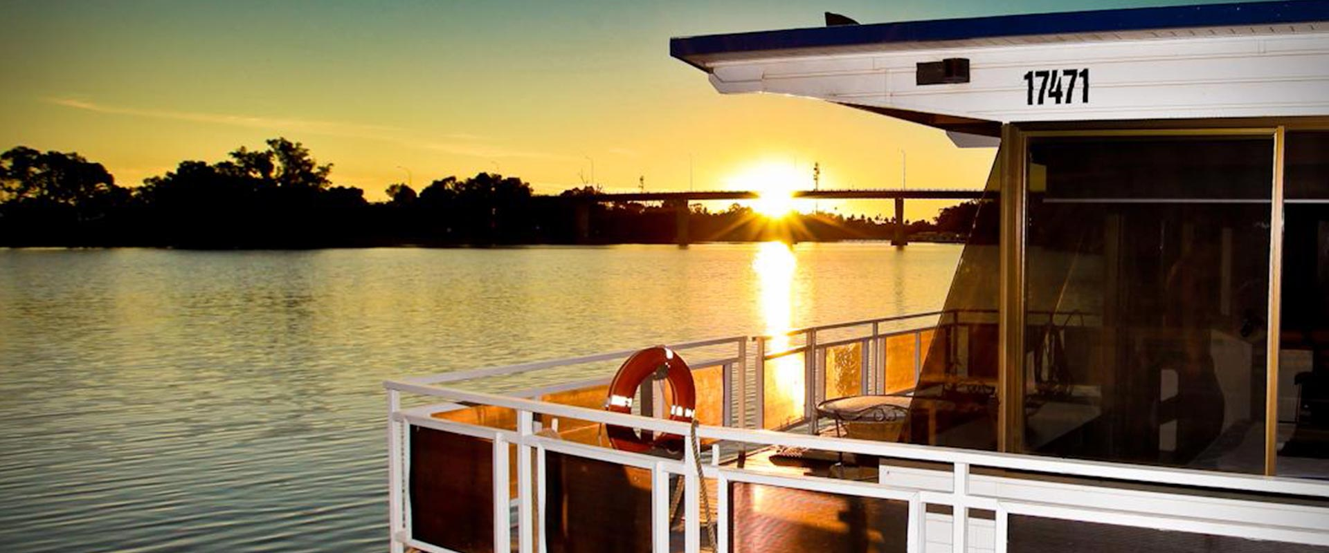 Sunset on the Murray River Houseboat